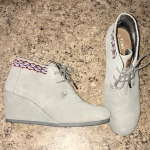 Toms Wedge Booties Size 9.5